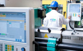 Real-time reporting enables injection and blow molder to recapture control of business